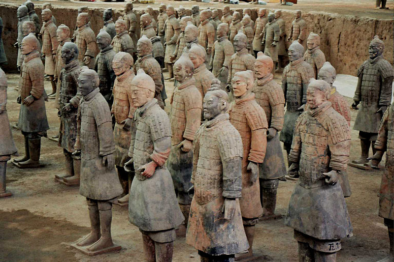 The ever impressive terra-cotta warriors (Photo source: Wikimedia Commons)