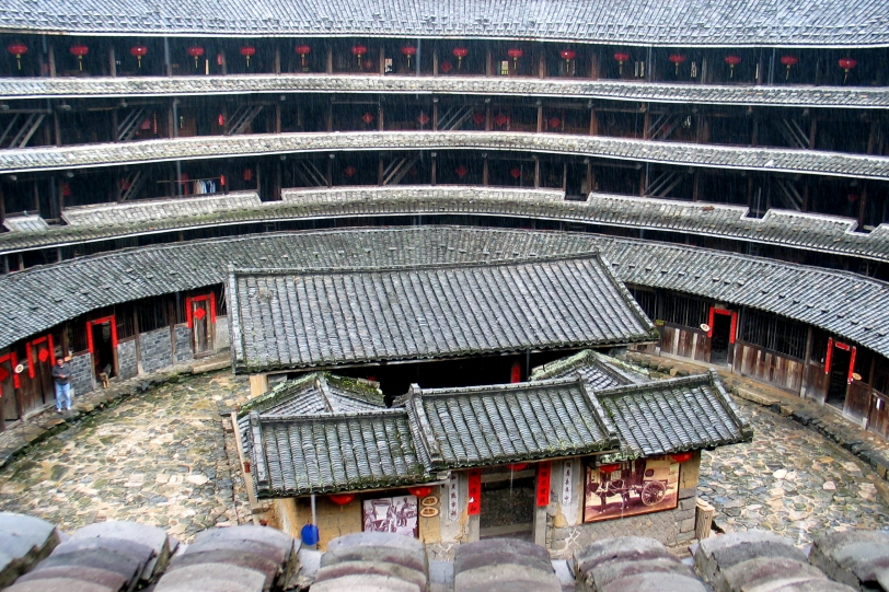 Interior of Jiqinglou tulou, photo by Peter Chen