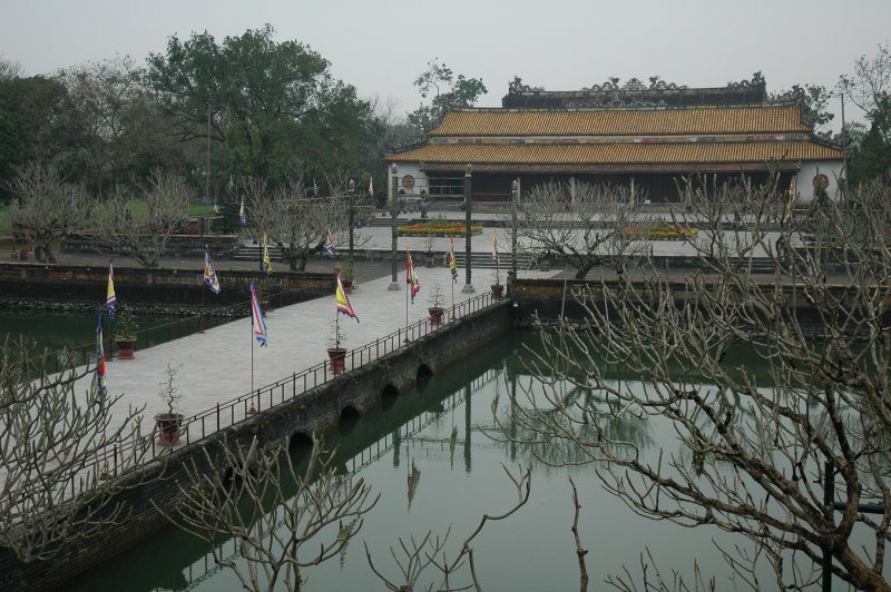 Hue Imperial Citadel (Photo credit: Wikimedia Commons)