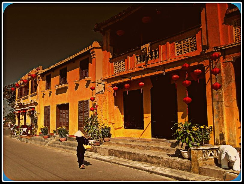 Old townhouses in Hoi An (Photo credit: Wikimedia Commons)