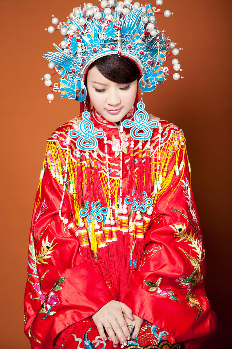 Traditional Chinese wedding costume (Photo credit: Wikimedia Commons)