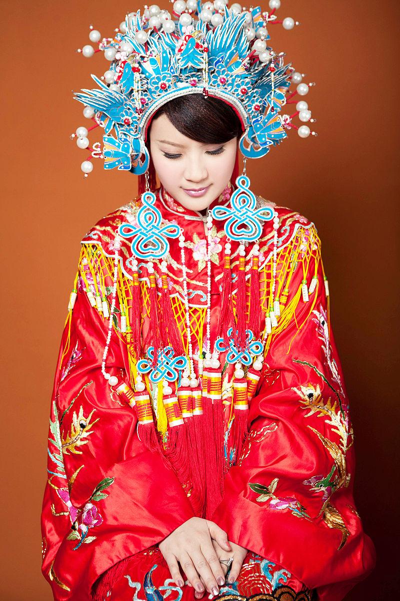 Traditional Chinese wedding costume (Photo credit: Wikimedia Commons)